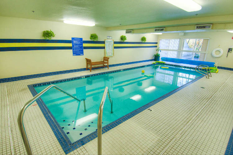 Photos of lynnwood independent living chateau pacific for Lynnwood swimming pool schedule