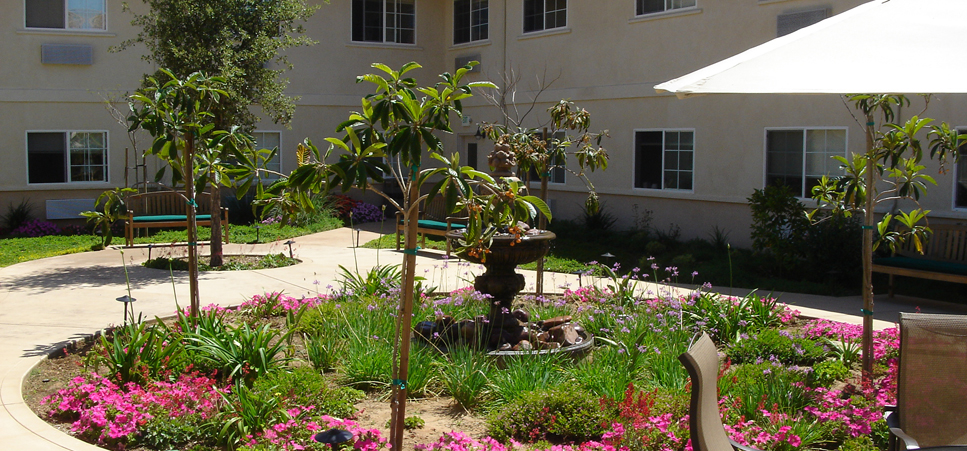 Retirement living in Fallbrook, CA with a relaxing backyard patio