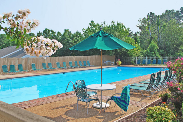 Lounge chairs at the pool at London Towne apartments in richmond, va.