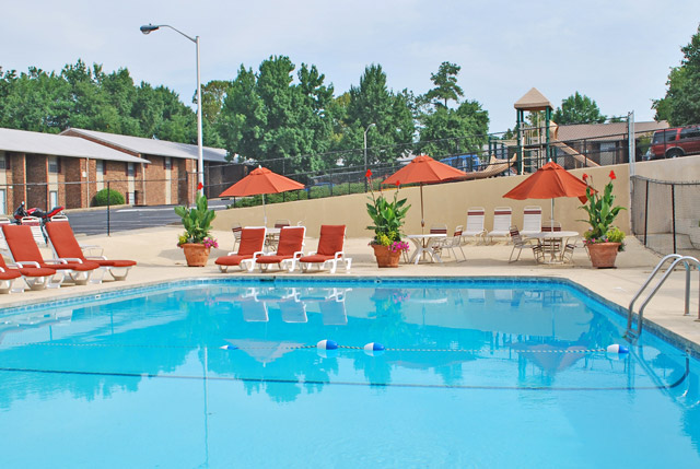 Poolside at Carolina Apartments in carrboro