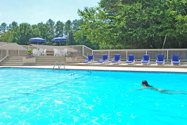 Swimming pool at Royal Park apartments in carrboro