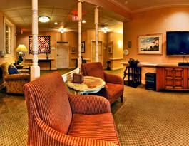 Senior lounge Arbor Terrace of Asheville - Assisted Living