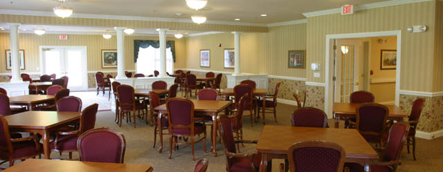 Dining room at senior living in Thiensville