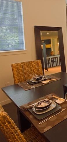 Apartment dining room wilsonville or Villebois