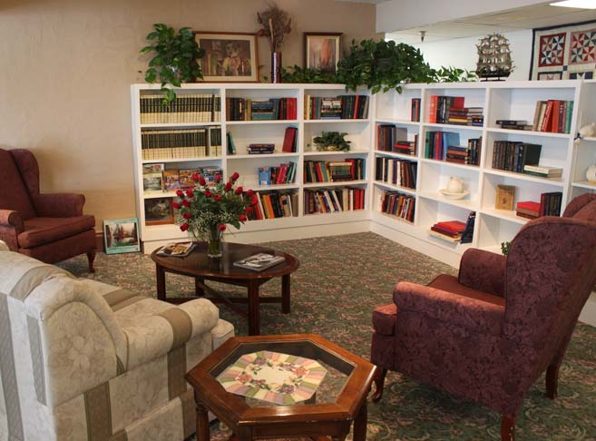 Heatherwood Retirement Community features a cozy library