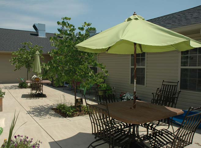 Our Granite City senior care community features sunny courtyards