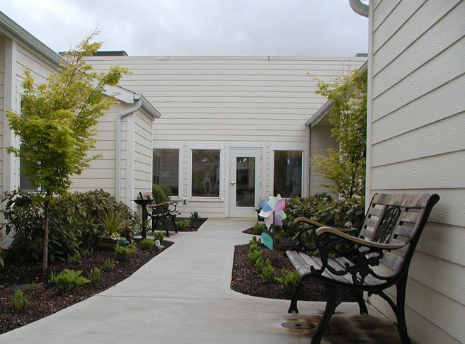 Landscaped courtyards at our retirement community in Hillsboro, OR 97123