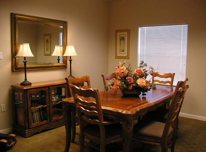 Private dining room at Rosewood Specialty Care, Hillsboro retirement living