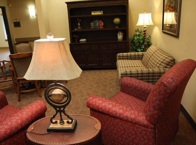 Retirement living in Tigard, OR with cozy sitting areas