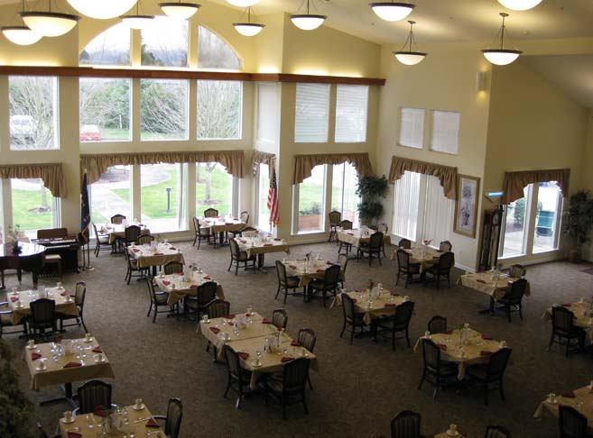 Retirement living in Eugene, OR with elegant dining room