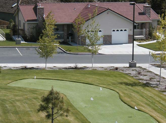 Enjoy onsite putting greens at our Bend senior living