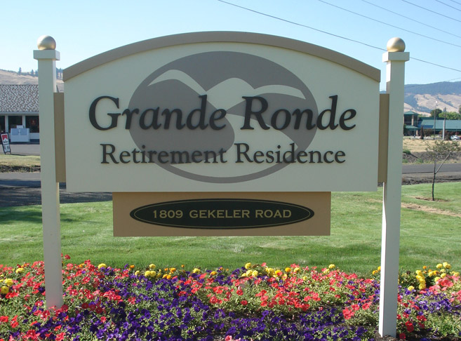Entry sign at Grande Ronde Retirement Residence