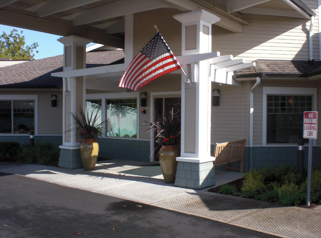 Welcoming entry way in Albany, OR senior retirement community