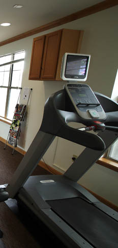 Fitness center at milwaukee apartments