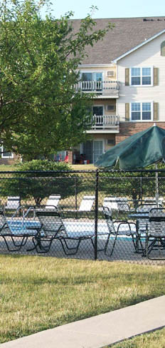 Kenosha apartments swimming pool