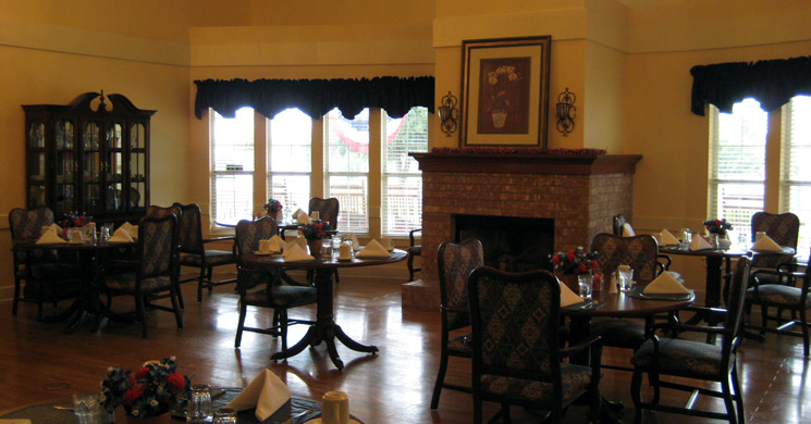 Hardwood floors in dining room at senior living community in Flower Mound, TX
