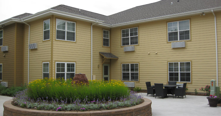Well landscaped grounds at Greeley senior living community