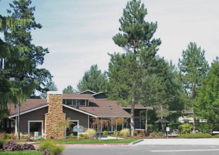 Gilman Square Apartments in Downtown Issaquah