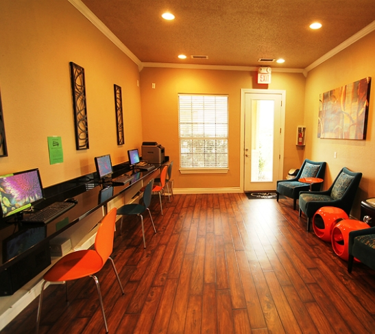 High speed wireless internet cafe business center