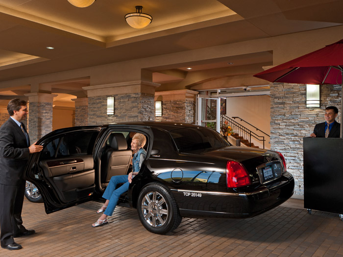 Valet services featured at Peninsula Del Rey senior living community