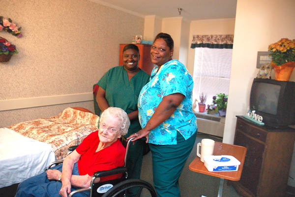 Caregivers at Park Place senior living in Tyler