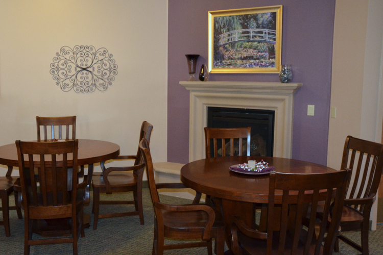Comfortable dining room at Alta Manor