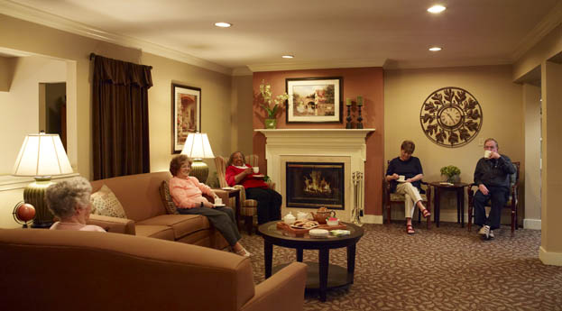 Senior living in Pontiac, MI has a lively and active lobby