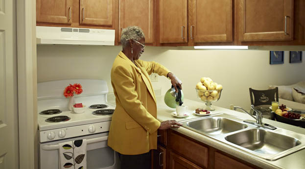 Senior living in Clinton Township have apartments with full kitchens