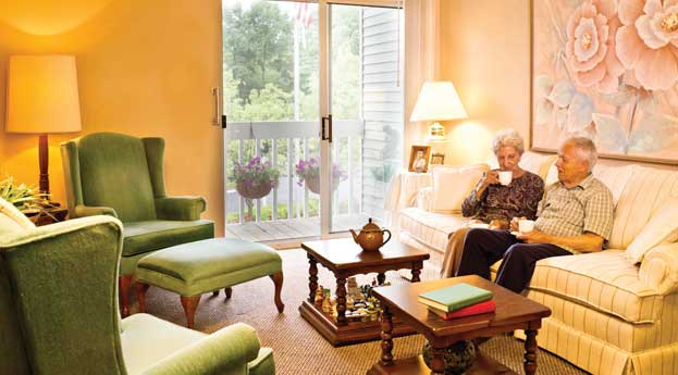 Bonita springs senior living livingroom