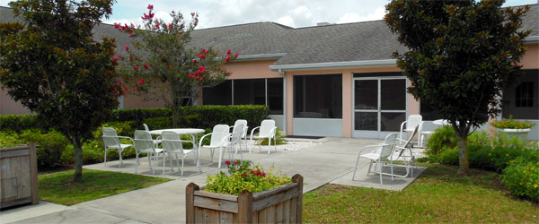 Lakeland fl senior living backyard