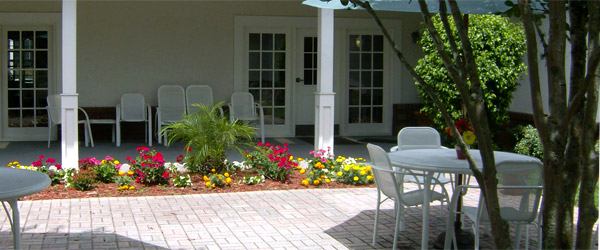 Patio at senior living in oviedo fl
