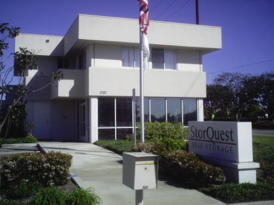 Exterior of the self storage in Oxnard building