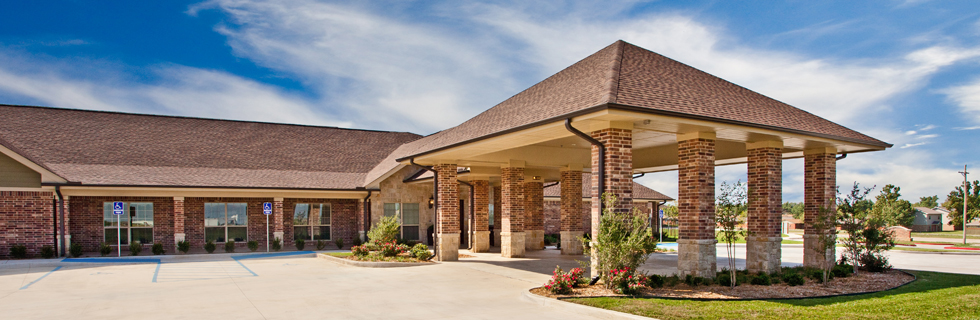 Landscaped exterior senior living in lawton