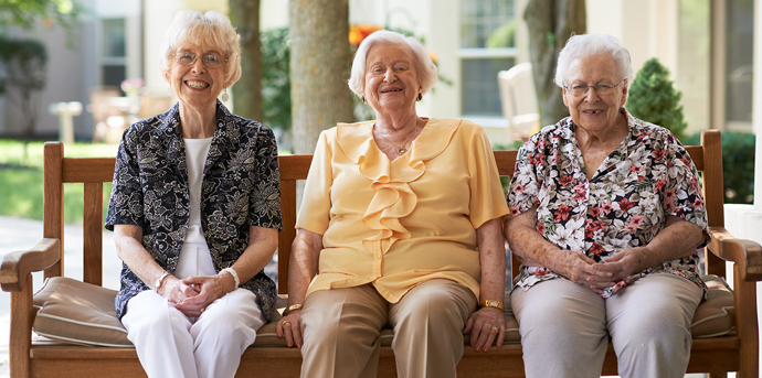 Smiling residents at independent living in dublin oh