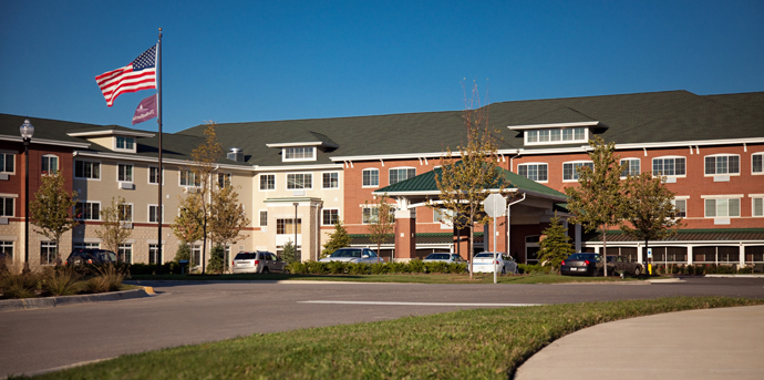Beautiful exterior of senior living in romeoville il