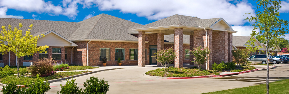 Beautiful exterior of senior living in mesquite tx