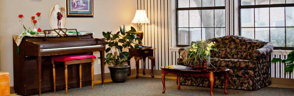 Warm furnishings at senior living in athens tx