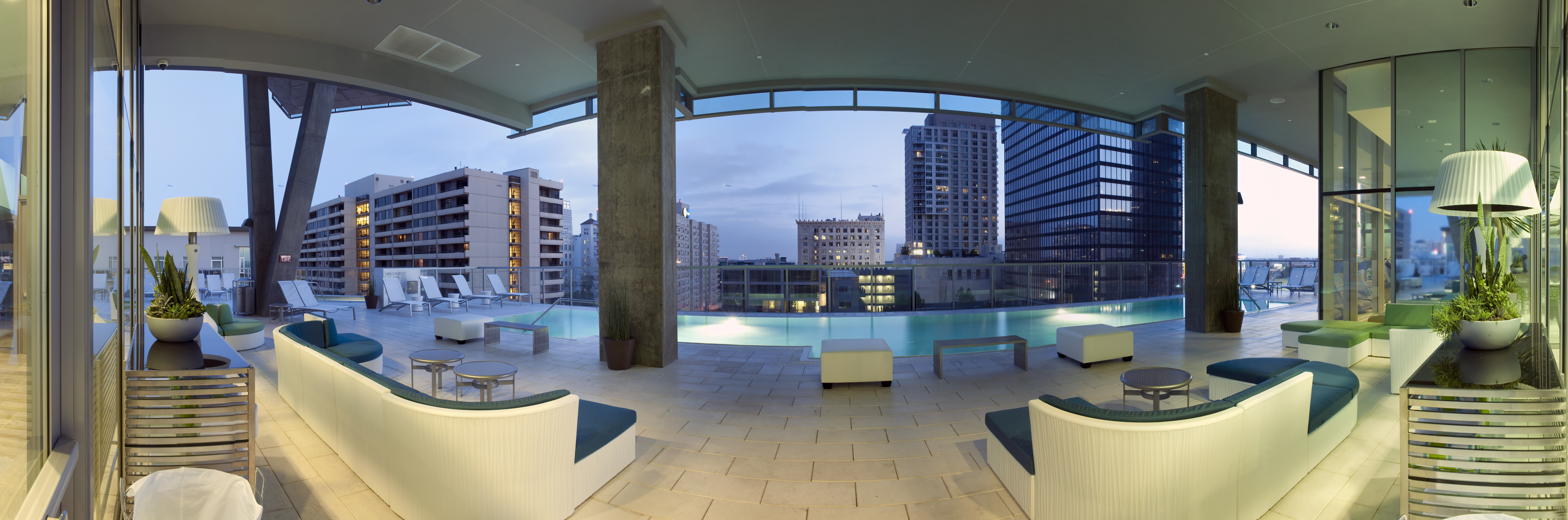 downtown los angeles luxury pool