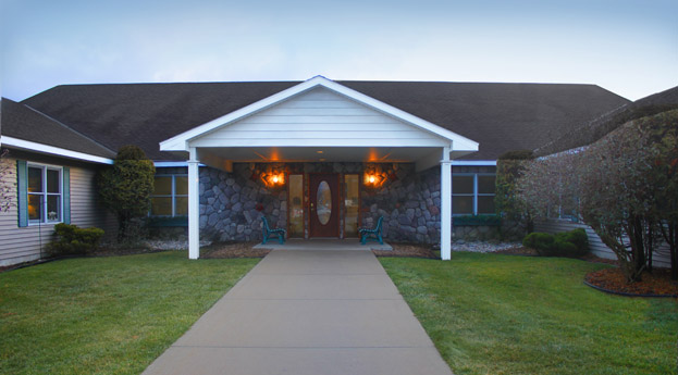 Exterior senior living in petoskey