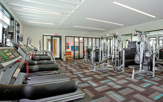 Fitness center at Chesapeake apartments VA