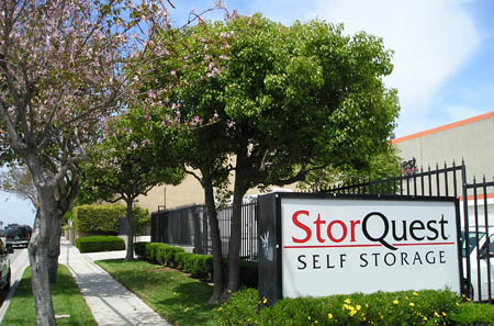 Self storage in Torrance sign