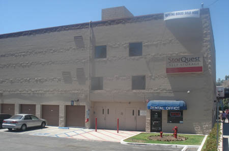 Exterior of self storage in Los Angeles