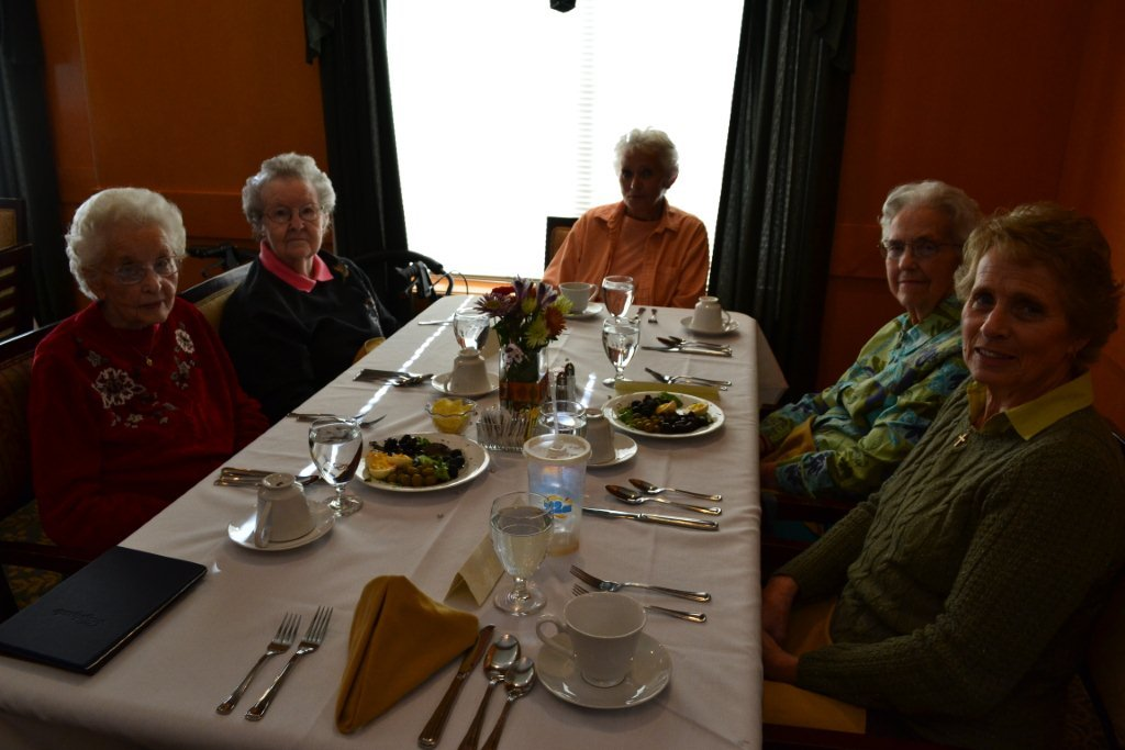 Bozeman highgate dining with residents