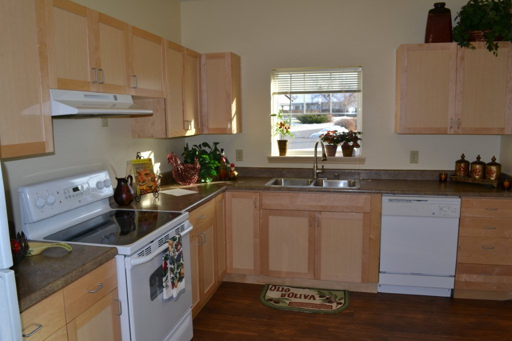 Bozeman highgate independent living kitchen 3