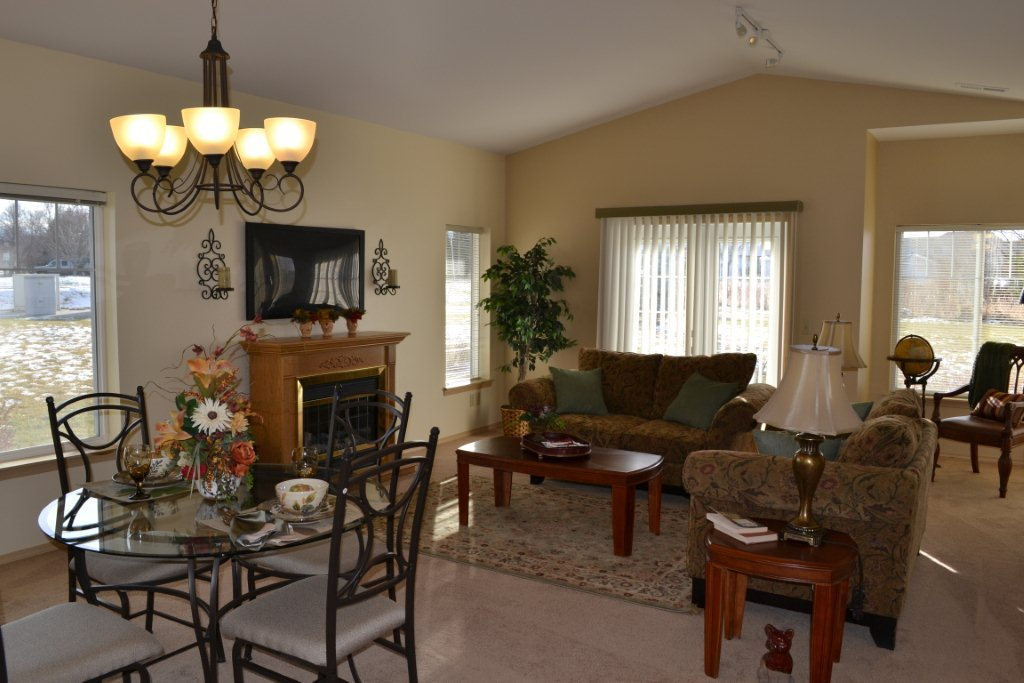 Bozeman highgate independent living room 2