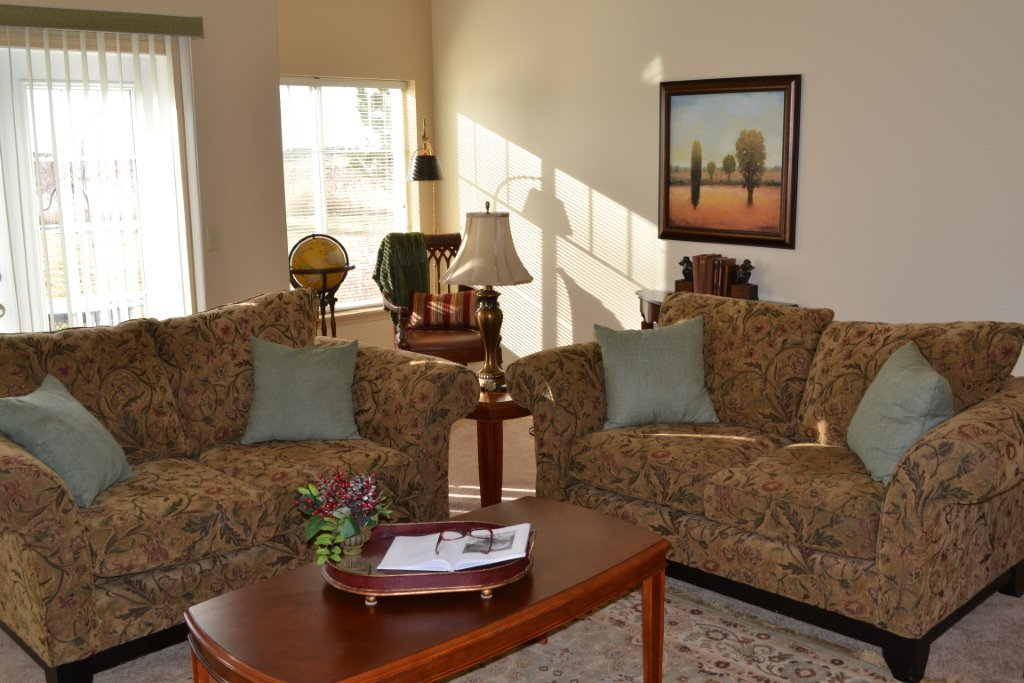 Bozeman highgate independent living room 3