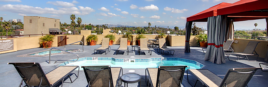 Hot tub and pool at apartments in Los Angeles CA