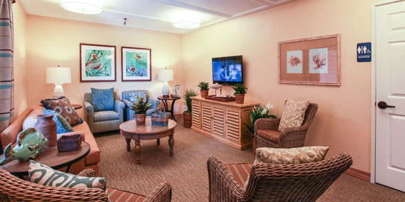 Sitting room at huntington beach senior living