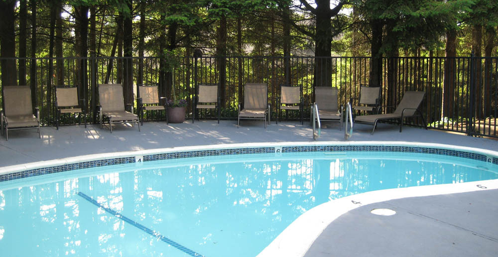 Renton wa apartment with swimming pool