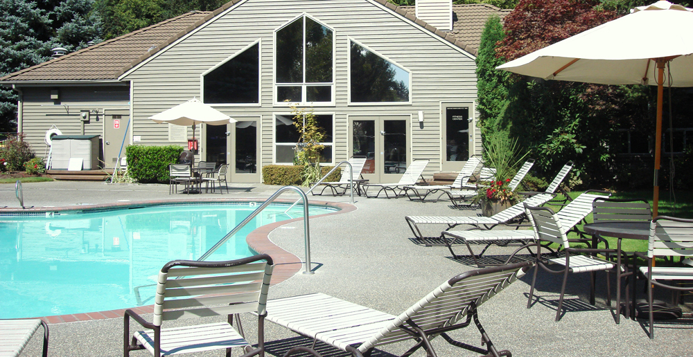 Outdoor swimming pool at apartments in Redmond